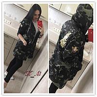 Куртка парка хаки с нашивками в стиле милитари