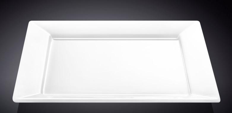 Тарелка фарфоровая десертная Wilmax квадратная (18,5 см)