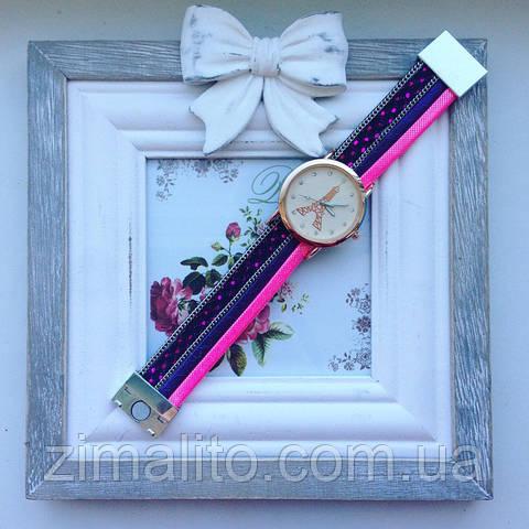 Часы Париж розовые