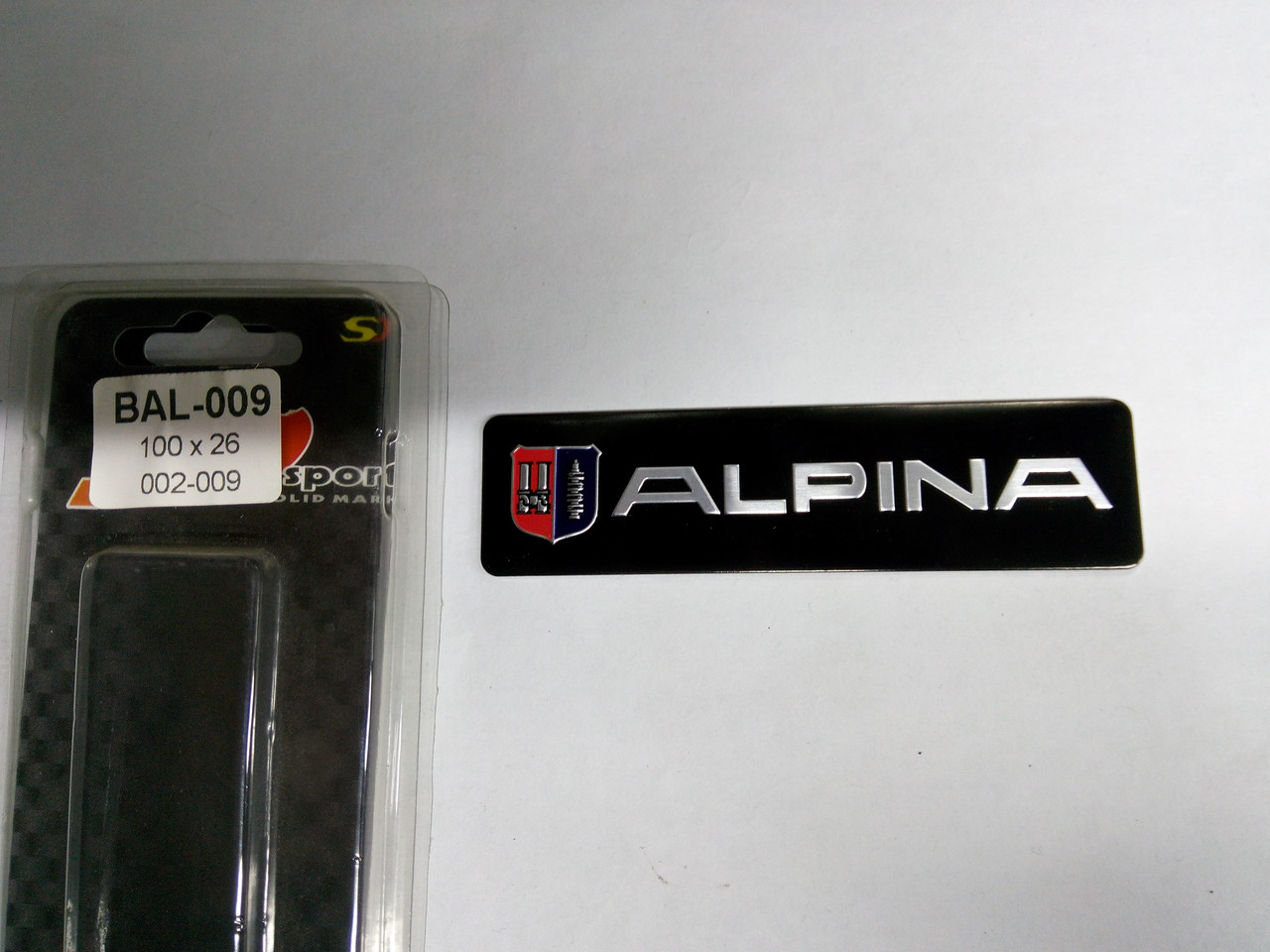 Силиконовая 3D наклейка ALPINA  100х26 мм