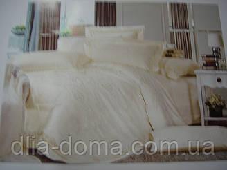 Комплект постельного белья евро с вышивкой.
