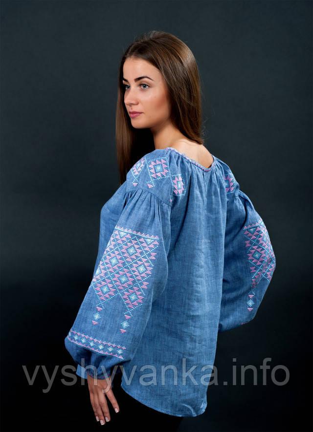 Дизайнерская вышиванка женская