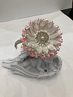 Обруч с цветком розово- белого цвета  из атласной ленты с о стразовой серединой