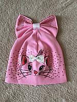 Трикотажная шапка с кошкой и бантом для девочки