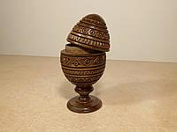 Деревянное резное яйцо-шкатулка Фаберже с резьбой на подставке 12 см