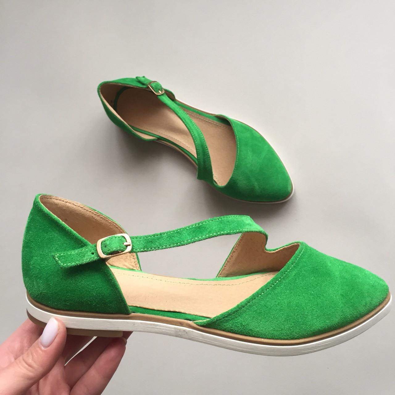 Зеленые Замшевые Балетки с Переплетом на Ноге — в Категории