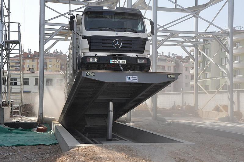 Автомобилеразгрузчик на бетонном фундаменте канального типа 10 м