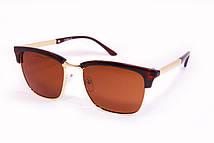 Женские очки стильной формы и красивым сочетанием цветов