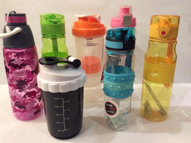 Спортивные шейкеры и бутылки для воды