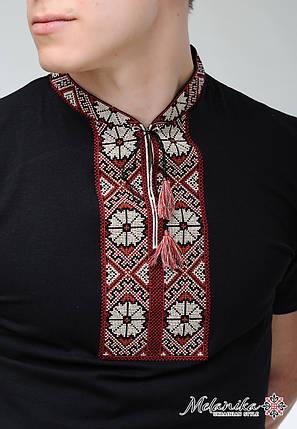 Молодежная вышитая футболка для мужчины черного цвета «Солнышко (вишневая вышивка)», фото 2