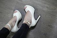 Туфли на высоком каблуке реплика Christian Louboutin Итальянская кожа с ремешком открытый носок светлый беж