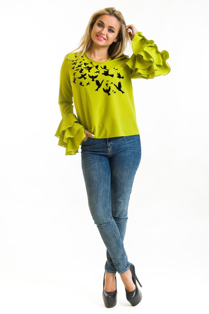 Оригинальная женская блуза с рюшами на рукавах