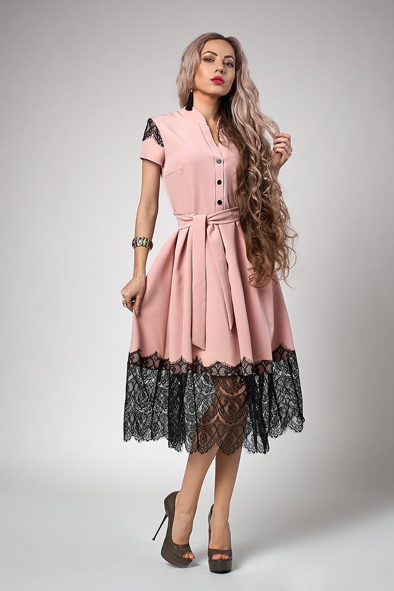 Шикарное женское платье с кружевной отделкой, пудровое