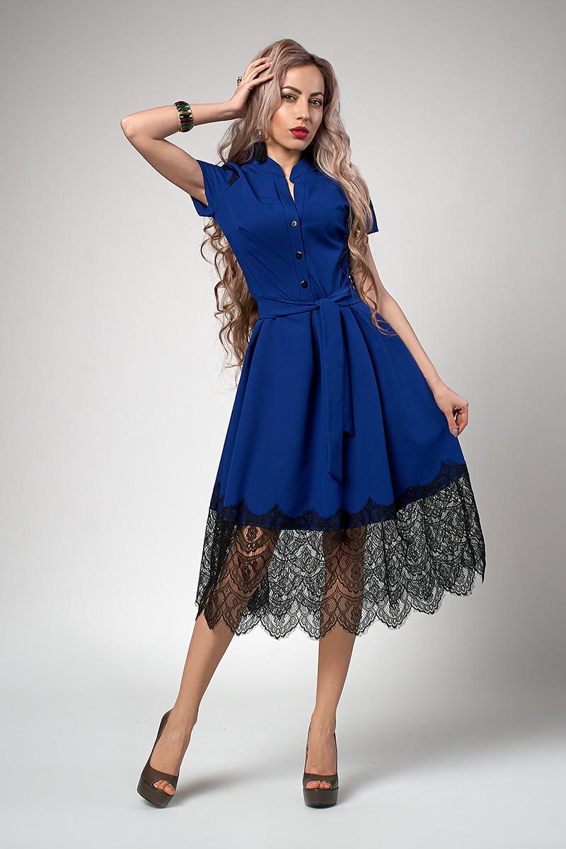 Сукня жіноча з мереживними вставками кольору електрик