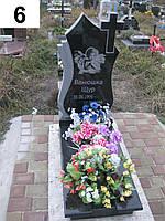 Дитячий памятник з ангелом хрестом із граніта
