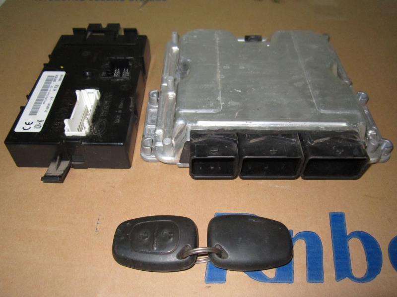Блок управления двигателем Рено Трафик (Renault Trafic) 1.9 dci