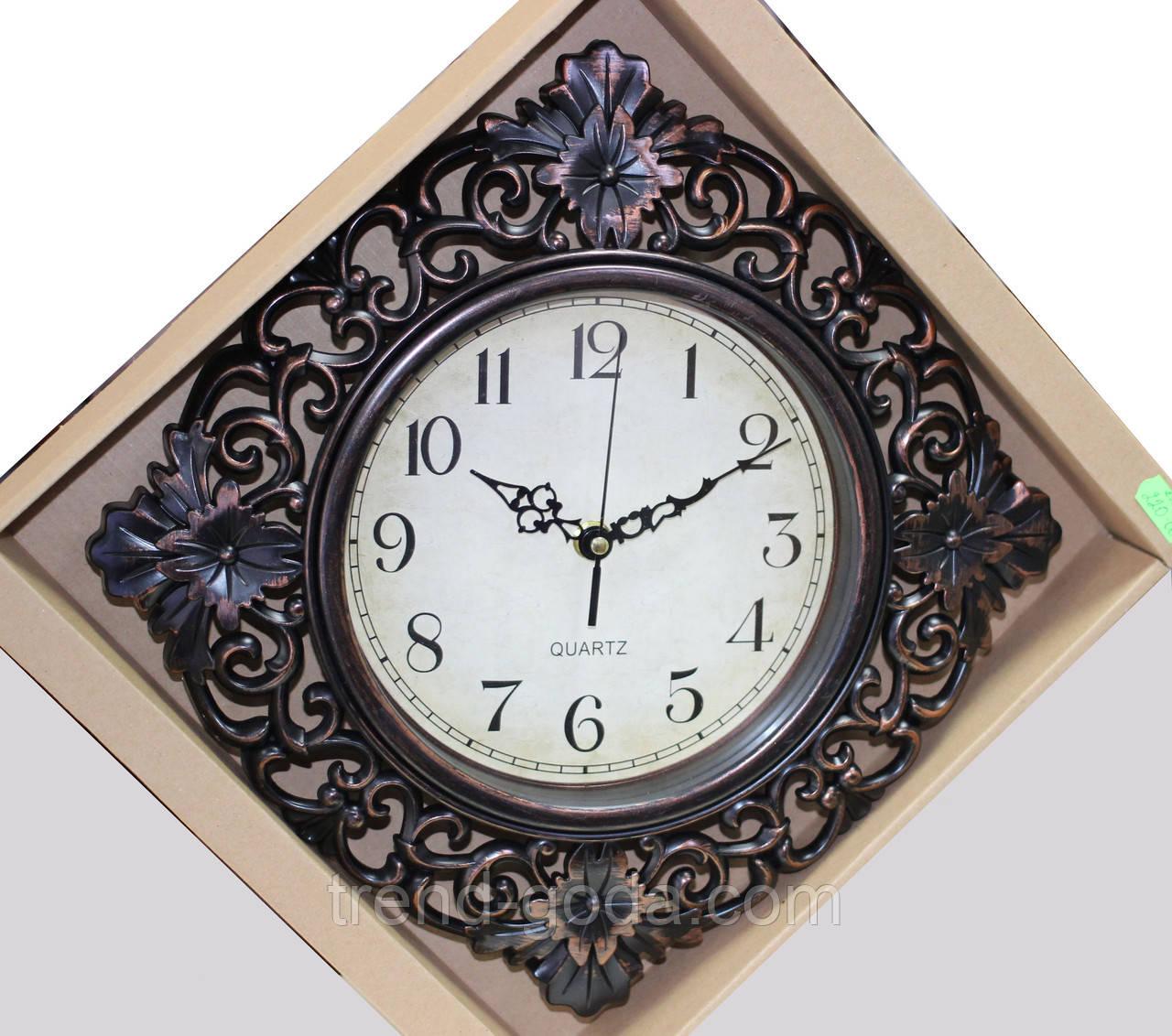 Часы темно-коричневые настенные, ромб с узором