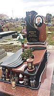 Ексклюзивний пам'ятник на могилу із граніту лізник та керамічною фотографією