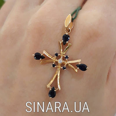 Золотой крестик с сапфиром