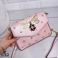 24ebc856e120 Стильная женская сумка, клатч розового цвета с декором из бусин и насекомого