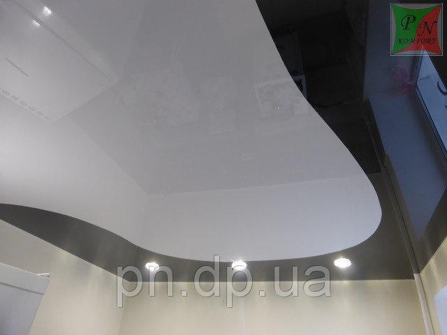 Комбинированный потолок с криволинейным швом