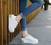 Женские кроссовки на липучках