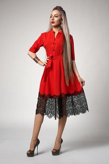 f4f9a48f0c634b3 Материал: костюмная ткань . Платье клешное под пояс. Платье молодежное с  фатиновой юбкой низ которой декорирован француским кружевом.