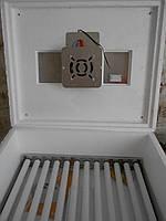 """Инкубатор с автоматическим переворотом """"Несушка М"""" на 76 яиц 220/12В."""