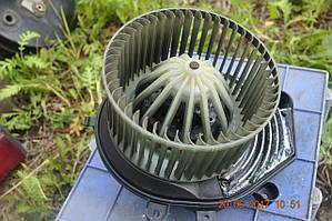 Вентилятор печки Passat B5 Audi A4 8D2820021