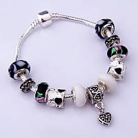 Женский серебряный браслет Pandora (Пандора) с подвесками муранского стекла и сердечком