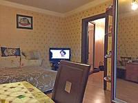 1 комнатная с мебелью, ул. Космонавтов