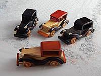 Деревянные сувенирные машины разные цвета, фото 1