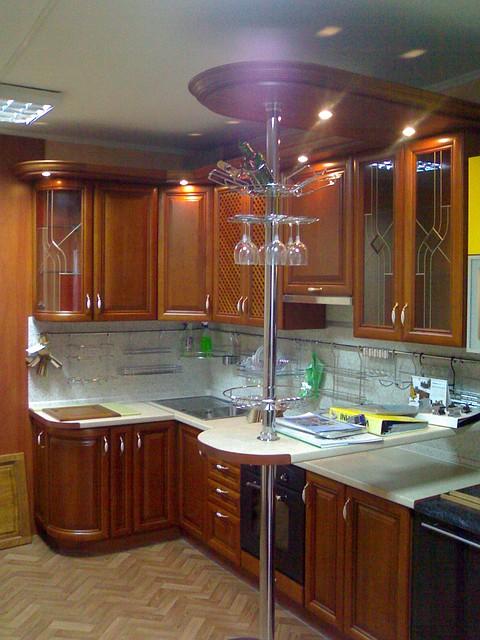 Кухни с барной стойкой на заказ в Киеве, барные стойки для кухни под заказ