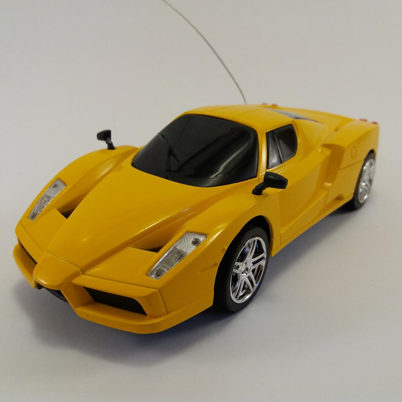 Автомобиль на радиоуправлении 1:24 (YDF688-1/4)