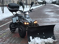 Электроквадроцикл CRAFTER FISHER PLATINUM с ковшом для снега и цепями на колесах, подсветка днища
