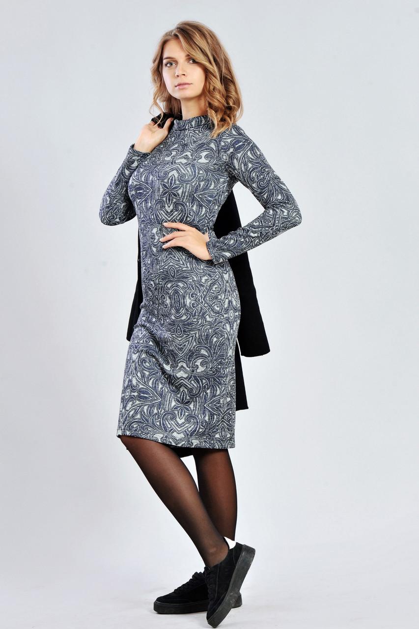 Модное трикотажное платье с люрексовым напылением