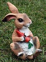 Заяц сидячий с морковкой H-25см, фото 1