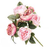 Букет искусственных розовых роз.