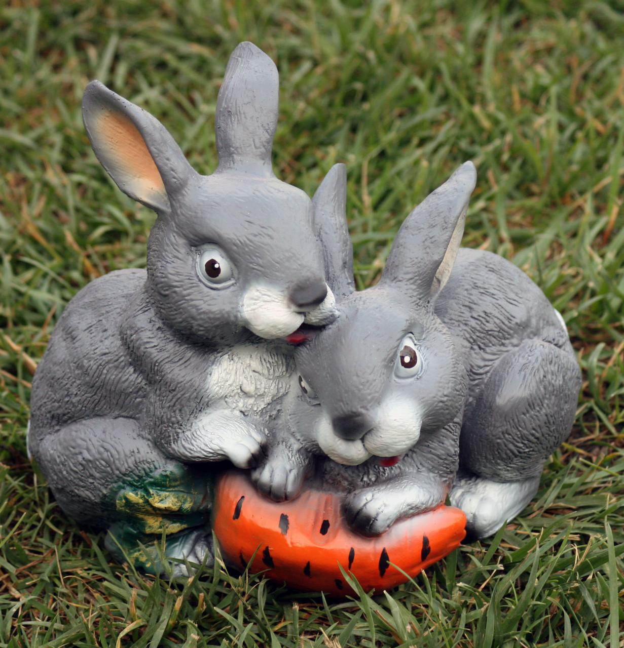 Зайцы с морковкой H-21см
