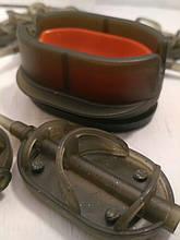 КАРПОВАЯ КОРМУШКА МЕТОД Arc Флэт ( METHOD ARC FLAT) 30 грамм + пластиковая пресовалка с кнопкой.
