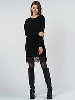 Повседневное платье - свитер свободного кроя, по низу декорировано кружевом