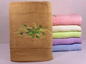 Махровое полотенце для лица с вышивкой