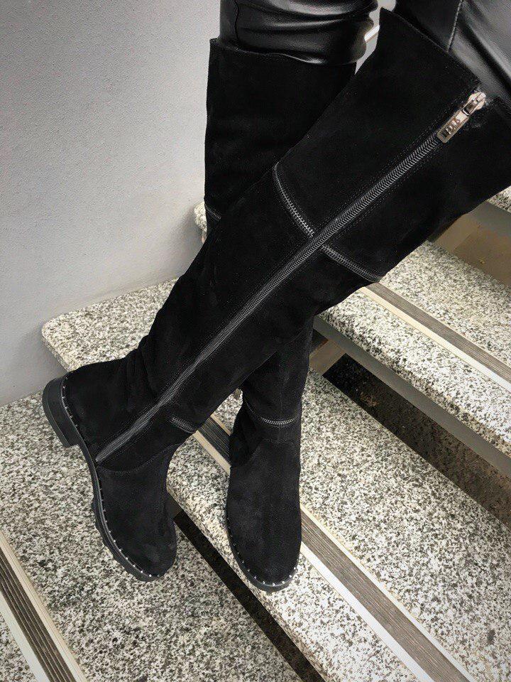 566803980 Женские зимние черные сапоги-ботфорты с молниями -