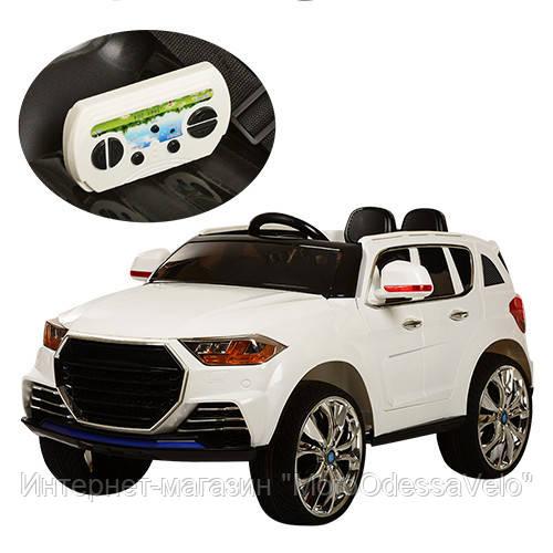 Электромобиль Land Cruiser белый