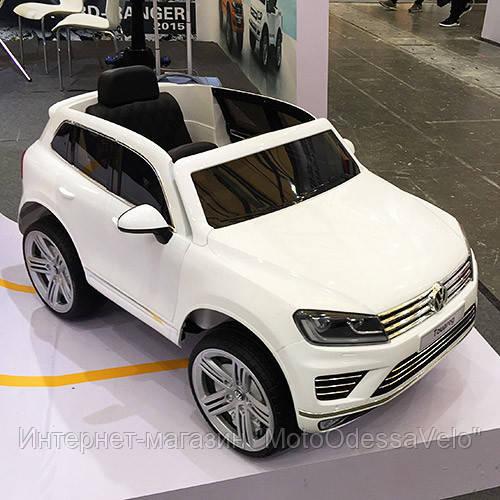 Электромобиль Джип VW Touareg белый