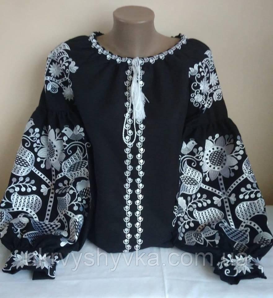 Вишита блуза в стилі бохо