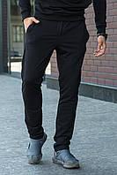 Мужские спортивные брюки простые однотонные на резинке и шнурке черные