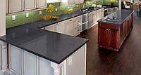 Интерьер кухни с использованием искусственного (кварцевого) камня Caesarstone 4120 Raven