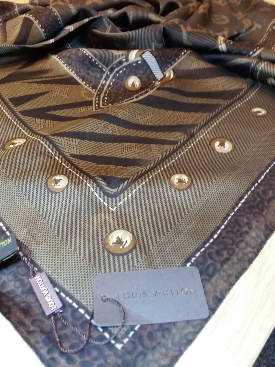 Платок Louis Vuitton шелк коричневый монограмм