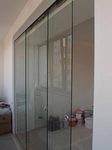 12 Стеклянная раздвижная перегородка из каленного прозрачного стекла с зацепами